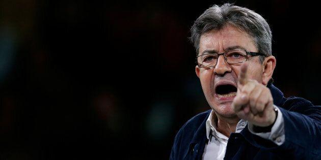 Jean-Luc Mélenchon cresce nei sondaggi. La paura della Francia per un ballottaggio con Marine Le
