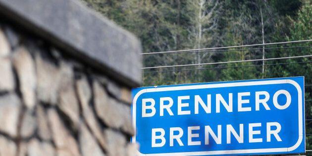 L'Austria invia 70 soldati al Brennero per contrastare l'ingresso di migranti. Il Viminale: