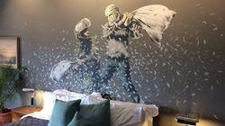 Banksy provoca ancora Israele aprendo un hotel tematico con vista sul muro in