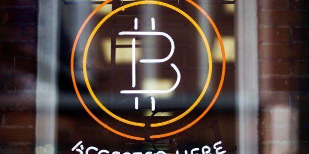 Il Bitcoin supera per la prima volta il valore dell'oro. La criptovaluta sale sulla domanda cinese e...