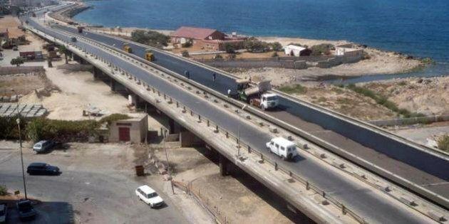 Italiani rapiti in Libia: fermati nel deserto e portati via. Sarebbero nelle mani di un gruppo di criminali