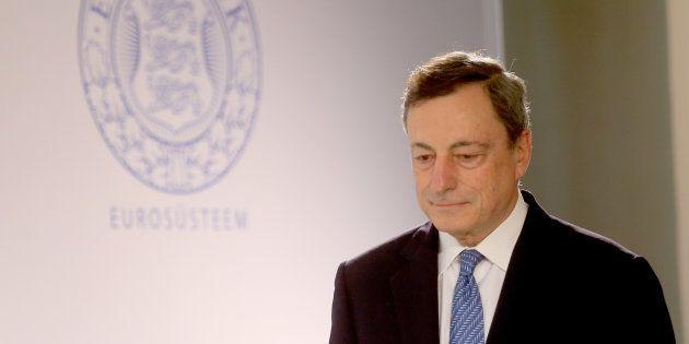 La Bce mette in guardia dall'euro forte. E la moneta unica tocca i minimi da un