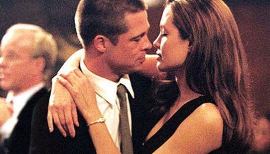 La nascita (e la fine) della storia d'amore tra Angelina Jolie e Brad Pitt in 10