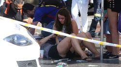 Attentato di Barcellona: nelle immagini decine di feriti investiti dal furgone sulla