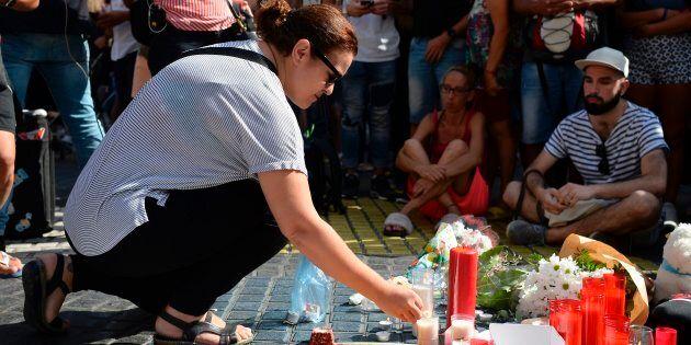 Attacchi coordinati a Barcellona e Cambrils, 14 morti. Ucciso il conducente del furgone, due terroristi...