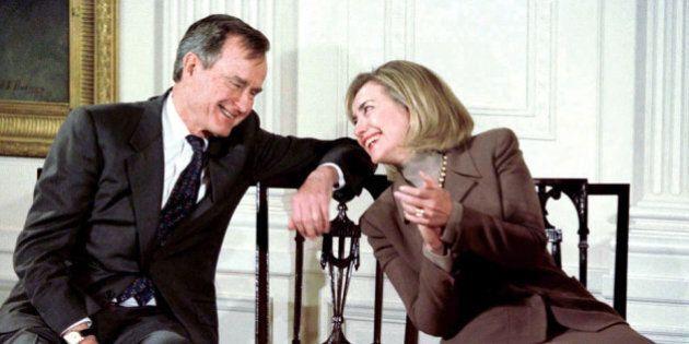 George H. W. Bush voterà per Hillary Clinton alle elezioni americane. Lo rivela