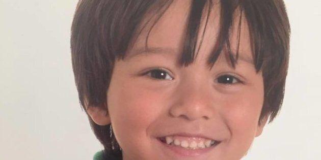 Angoscia per Julian, il bimbo australiano disperso dopo l'attacco a Barcellona. L'appello del
