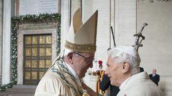 Il commovente abbraccio tra i due Papi per i 65 anni di sacerdozio di