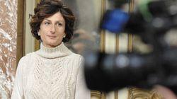 L'abbraccio di Agnese al premier Renzi dice più di mille parole sulla delusione del