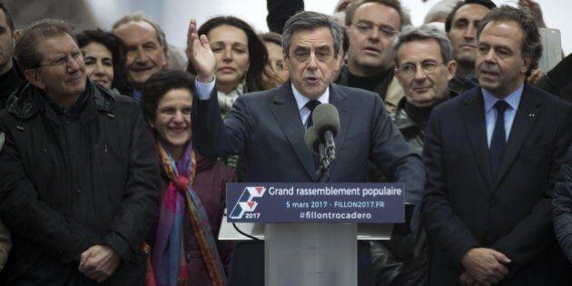 Elezioni Francia, repubblicani frantumati. Fillon non molla, Juppè si defila, Sarkozy interviene. Il...