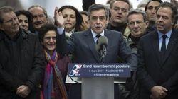 Fillon non molla, Juppè si defila, Sarkozy media. Ma il ballottaggio si