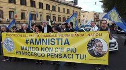 Radicali in marcia per l'amnistia.