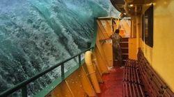 Quest'uomo è riuscito a catturare il momento che ogni marinaio teme e spera di