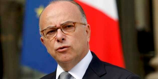 Francia, Bernard Cazeneuve primo ministro al posto di Manuel Valls. Fedelissimo di Hollande, è l'uomo...