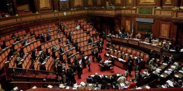 Referendum, la legge di bilancio arriva in Senato: domani la fiducia. La Consulta fissa l'udienza sull'Italicum...