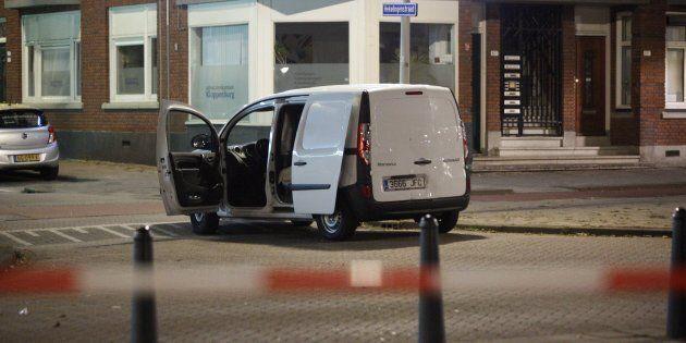 Scoperto furgone con bombolette di gas, annullato in extremis concerto a Rotterdam. L'autista non legato...