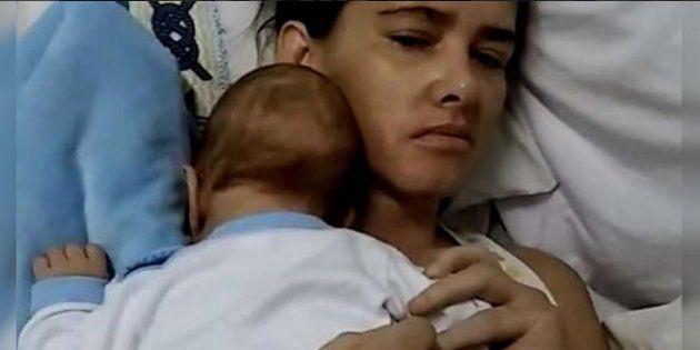 Dà alla luce il figlio mentre è in coma. 3 mesi dopo si sveglia e può abbracciare il