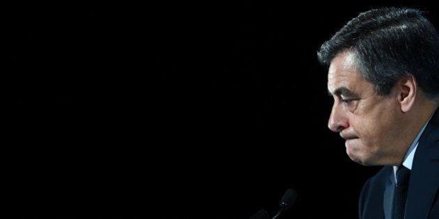 François Fillon di nuovo nei guai. Il Canard Enchainé lo accusa di aver intascato un prestito da 50mila...