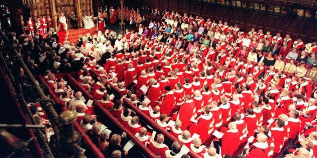 Brexit, i Lord infliggono un nuovo colpo a Theresa May. Approvato l'emendamento che vincola l'esito dei...