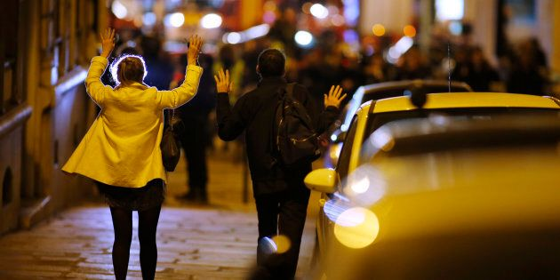 Sulle urne soffia il vento degli attentati. L'inquietante coincidenza fra l'attacco di Parigi e il dibattito