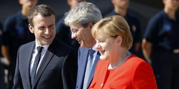 Al Sarraj, ma anche i leader di Niger e Ciad al vertice del 28 agosto a Parigi su Libia e migranti. Prevale...