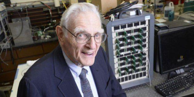 John Goodenough, inventore della batteria agli ioni di litio, a 94 anni ne inventa una 3 volte più