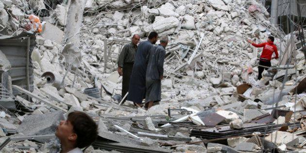 Siria, per al Jazeera salgono ad almeno 90 le vittime ad