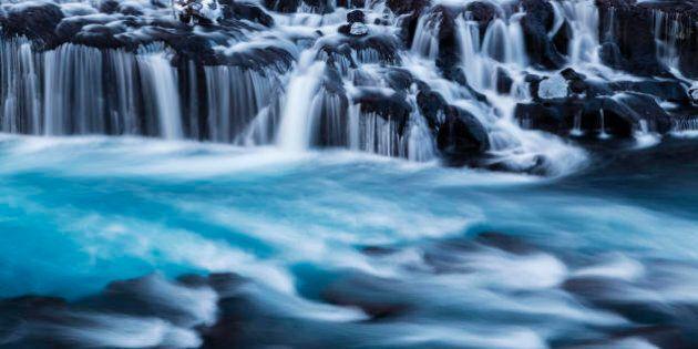 L'acqua potrebbe essere il carburante del futuro grazie a questi nuovi materiali: la ricerca su