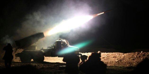 Arrivano i Marines a Raqqa. Usa dispiega batteria d'artigliera per l'offensiva alla roccaforte dello...