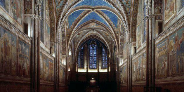 Assisi chiama Beppe Grillo. Il vescovo Domenico Sorrentino invita il leader 5 stelle a un confronto al...