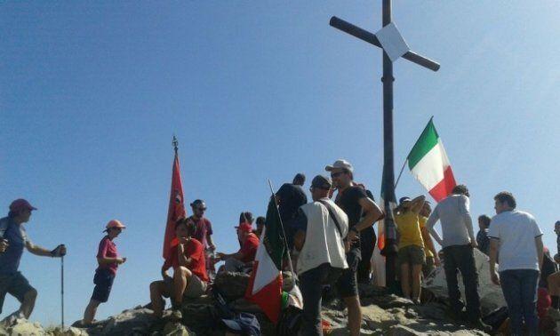 La messa partigiana del prete di Carrara: canta
