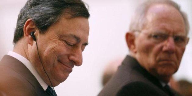 Bce, Mario Draghi respinge l'assalto tedesco. I tassi resteranno bassi ancora a lungo, Qe oltre il 2017...