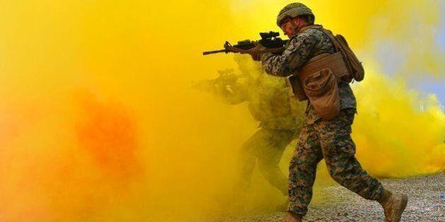 Siria: arrivano i Marine per l'assalto finale a Raqqa. Almeno 400 sono già schierati, altri 1000 attesi...