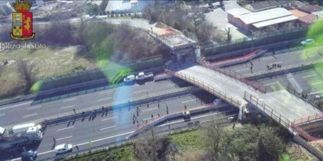 Il figlio della coppia rimasta uccisa nel crollo del ponte sull'A14:
