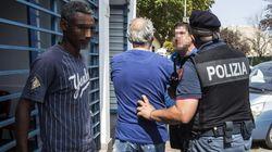 Tensione e scontri tra residenti e migranti di un centro accoglienza a Roma. Accoltellato un eritreo, si indaga per tentato