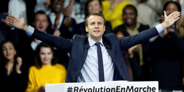Emmanuel Macron lancia la sua corsa all'Eliseo: