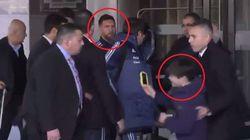 La security blocca il bambino fan di Messi. Quello che succede dopo dimostra che l'argentino è un campione anche fuori dal