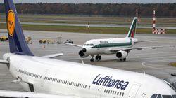 In ginocchio da Lufthansa, ma i tedeschi si sfilano. L'Ue dà il via libera al prestito ponte di 400 milioni. Padoan: