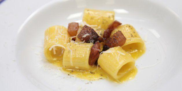 Con la carbonara meglio i rigatoni o gli spaghetti? I migliori abbinamenti tra formato di pasta e