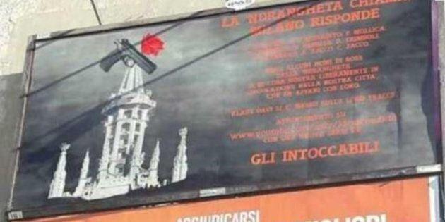 Klaus Davi affigge manifesti con i nomi dei principali boss di Cosa Nostra e Ndrangheta che vivono a...