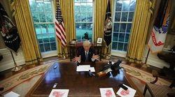 Sulla scrivania di Trump c'è un pulsante rosso (ma non serve a quello che state