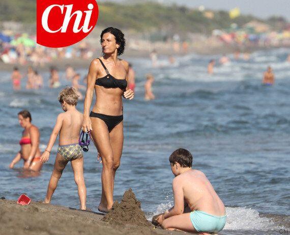 Agnese Renzi in bikini: la first lady anche quest'anno mostra la sua invidiabile forma fisica. L'esclusiva...