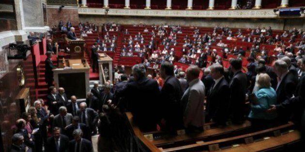 Francia, Manuel Valls scavalca l'aula nel voto sul jobs act. Deputati abbandonano emiciclo per