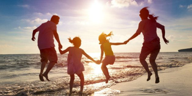 Essere genitori fa vivere di più, lo afferma una ricerca