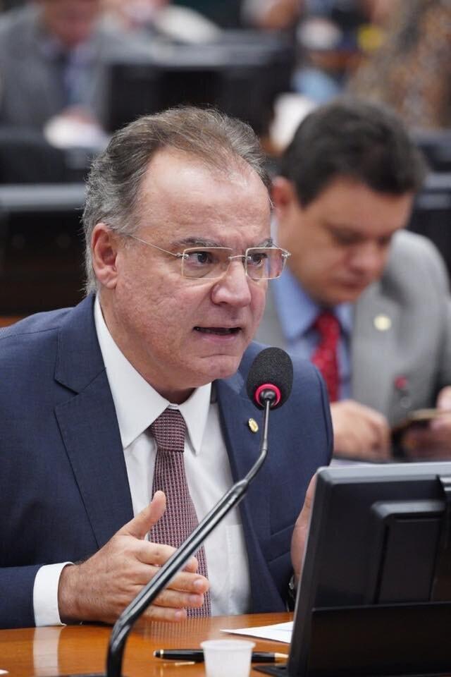 Deputado tucano votou a favor da reforma na CCJ e está no segundo mandato como deputado