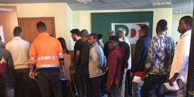 La procura di Napoli apre un fascicolo sui migranti alle primarie Pd di