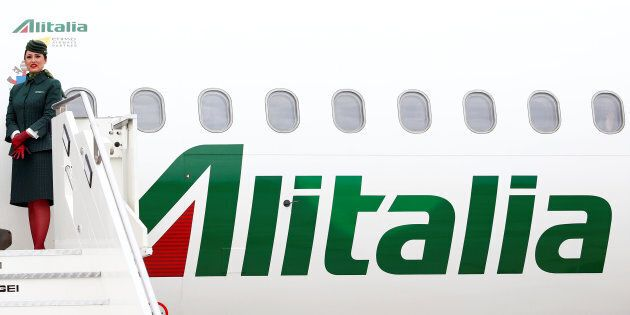 Bye bye Alitalia, l'azionista Intesa dice addio alla compagnia