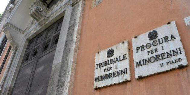 No all'abolizione del Tribunale per i