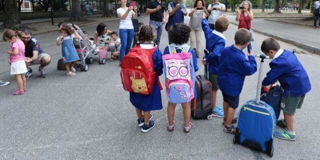 Bagni separati per bimbi migranti in una scuola a Cagliari
