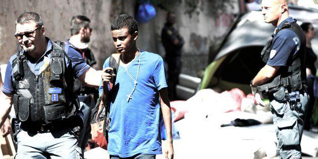 ONG e migranti, oltre che economico la corruzione è anche un danno